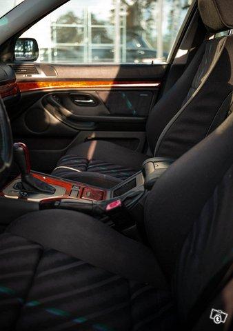 BMW Alpina B10 12