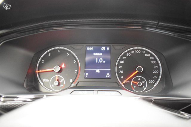 Volkswagen T-Cross 13