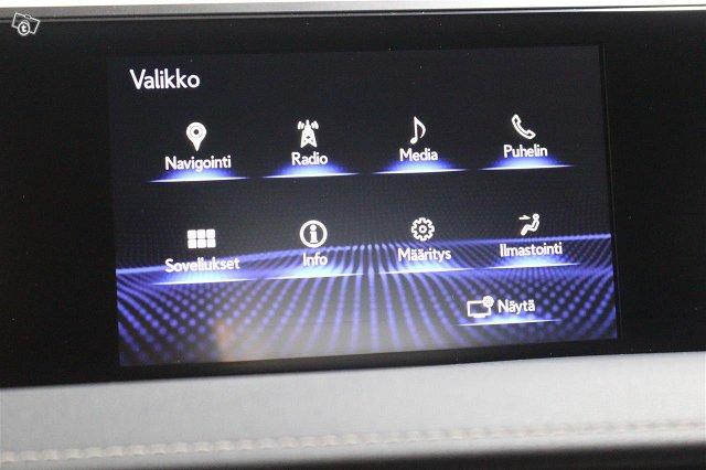 Lexus UX 18