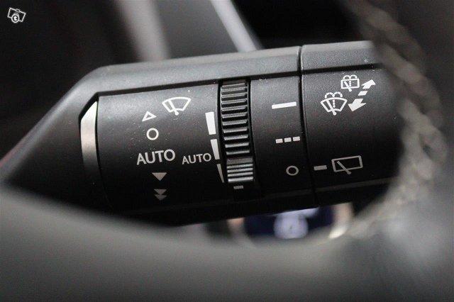 Lexus UX 21