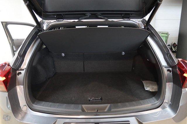 Lexus UX 23