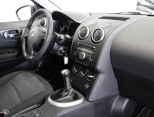 Nissan Qashqai+2 11