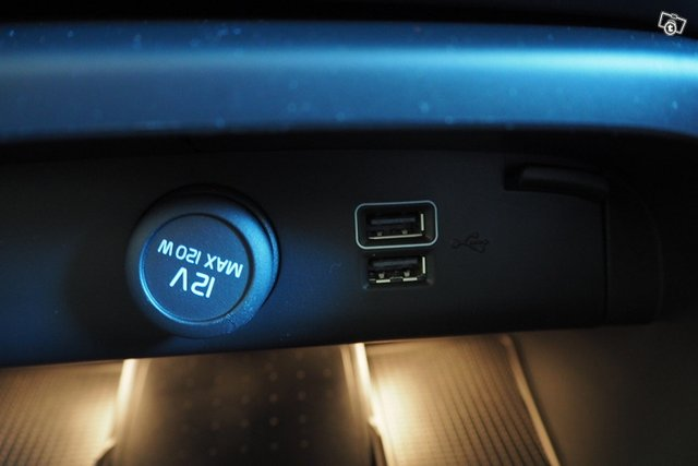 Volvo XC40 18