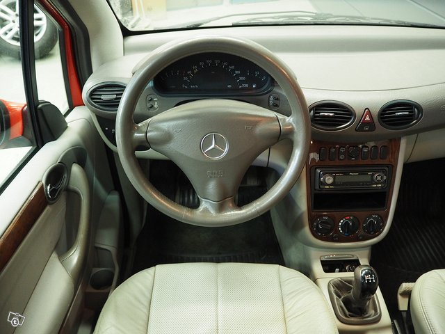 Mercedes-Benz A 170 CDI 8