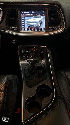 Dodge Challenger 10