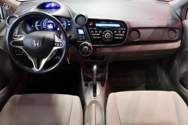 Honda Insight 9
