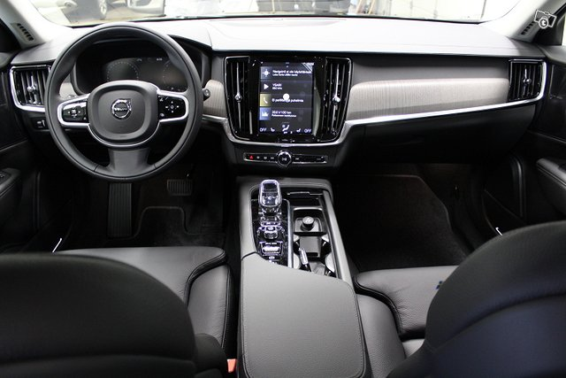 Volvo V90 5