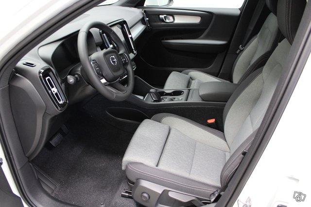 Volvo XC40 4