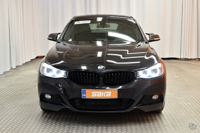 BMW 320 Gran Turismo 8