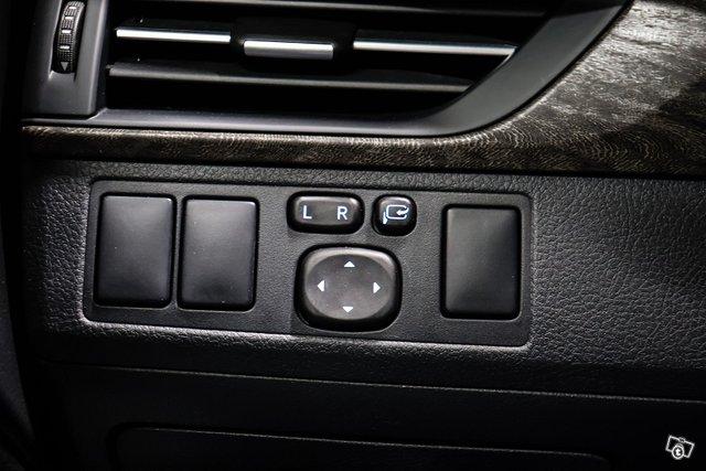 Toyota Avensis 24