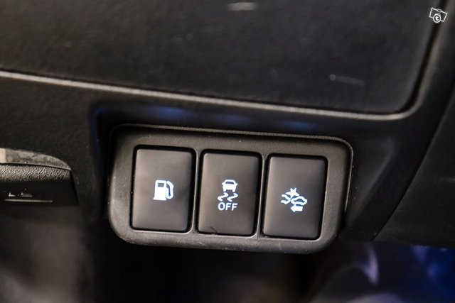 Toyota Avensis 25