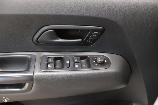 Volkswagen Amarok 13