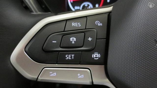Volkswagen T-Cross 11