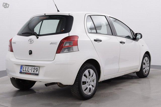 Toyota Yaris 5