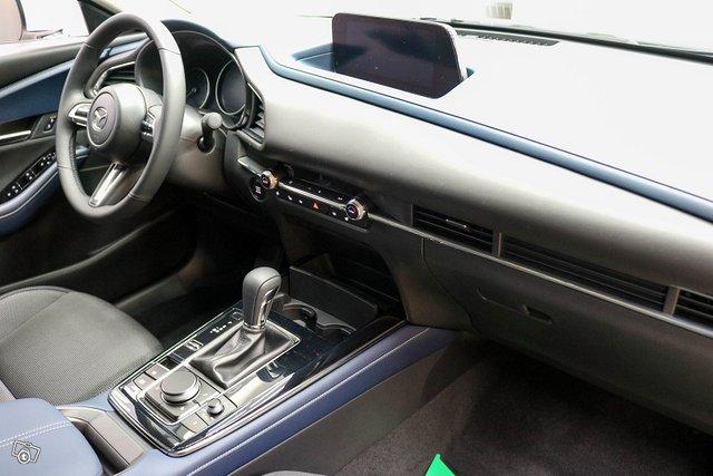 Mazda CX-30 11