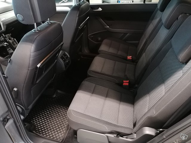 Volkswagen, VW TOURAN 7