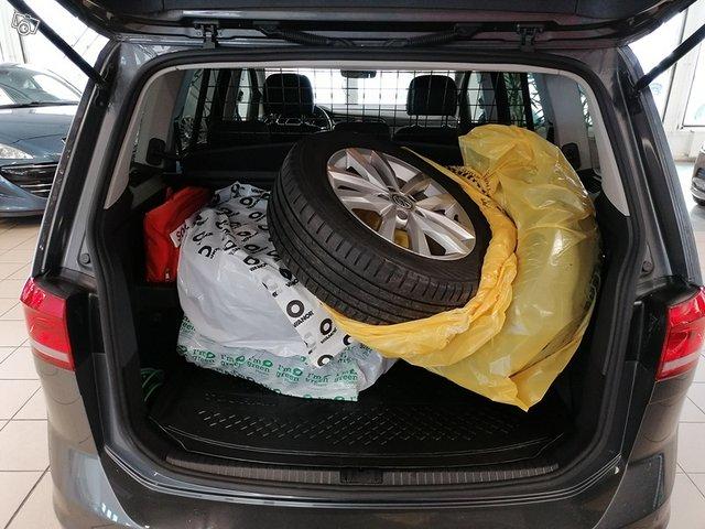 Volkswagen, VW TOURAN 9