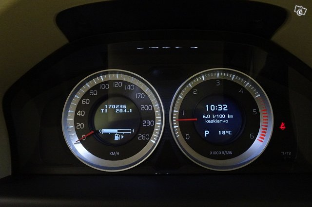 VOLVO S80 6