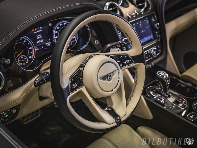 Bentley Bentayga 6