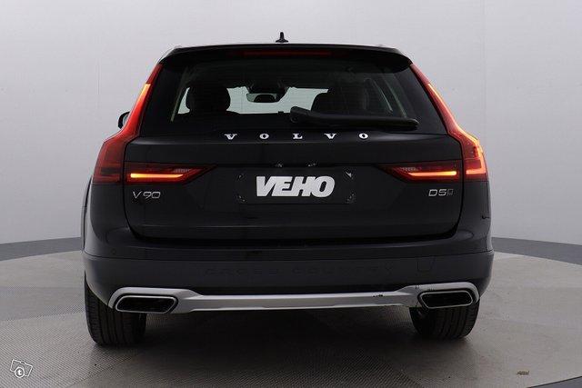 Volvo V90 CROSS COUNTRY 4