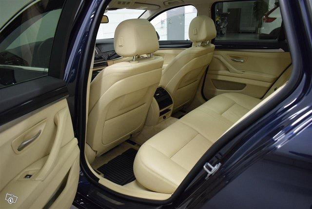 BMW 525 8