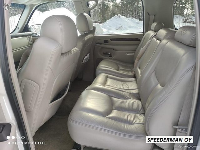 Cadillac Escalade 12