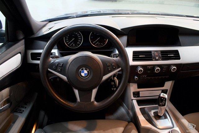 BMW 530 9