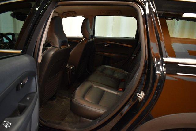 Volvo XC70 16