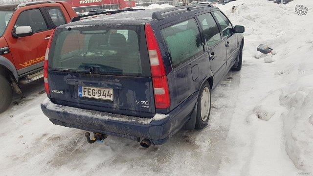 Volvo V70 3