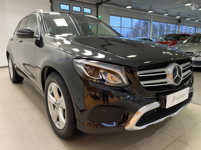MERCEDES-BENZ GLC 4