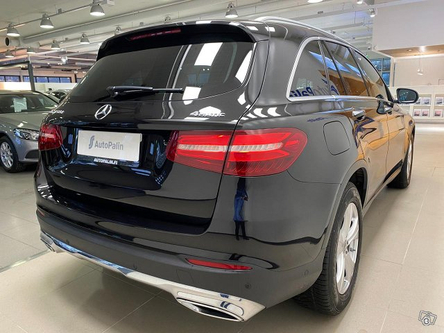 MERCEDES-BENZ GLC 7