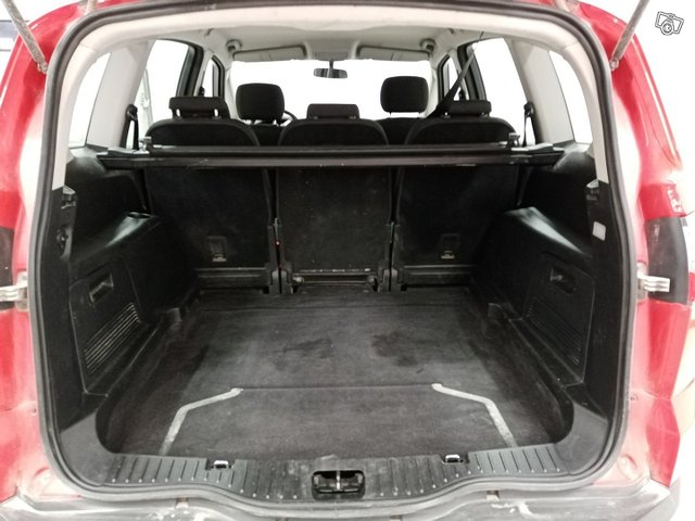 Ford S-Max 10