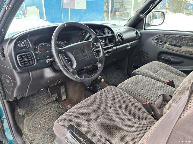 Dodge Ram 1500 11