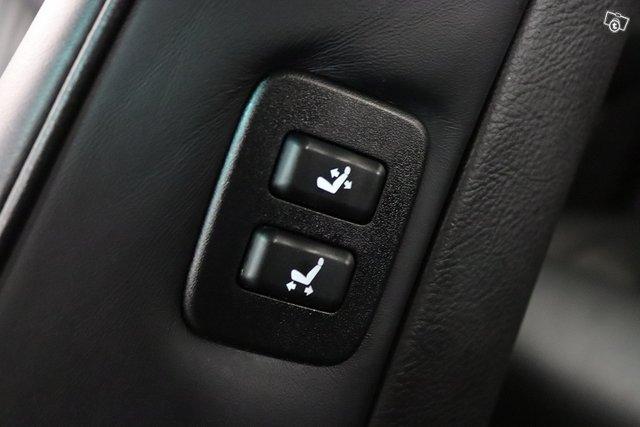 Lexus LS 16