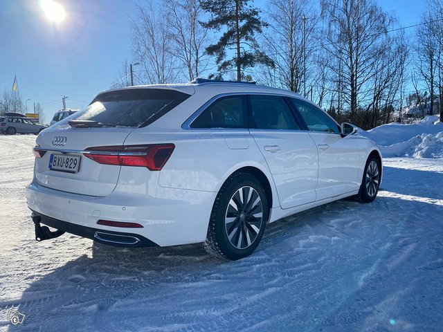Audi A6 Avant 4