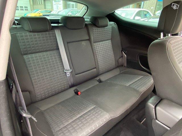 Opel Astra GTC 7