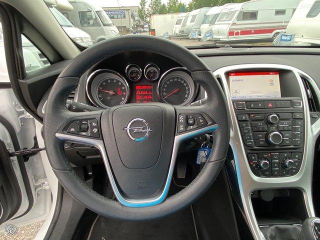 Opel Astra GTC 9