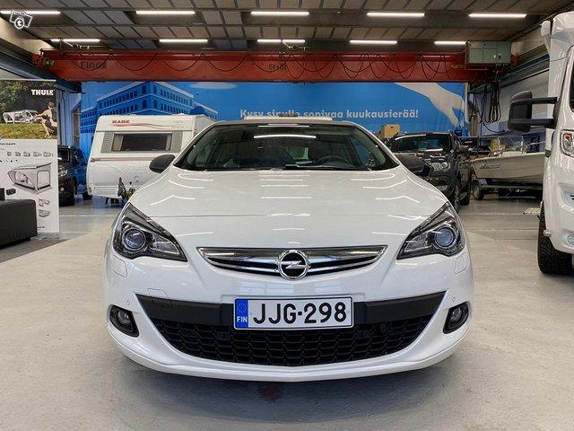 Opel Astra GTC 13
