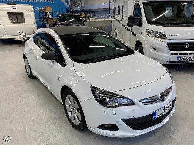 Opel Astra GTC 14