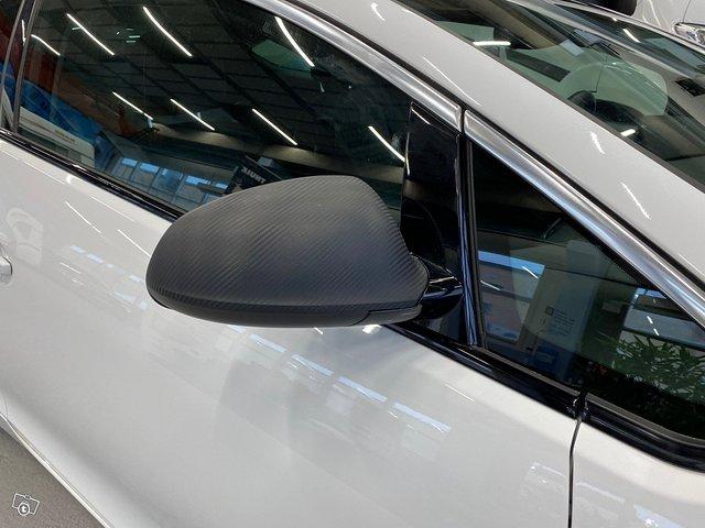 Opel Astra GTC 15