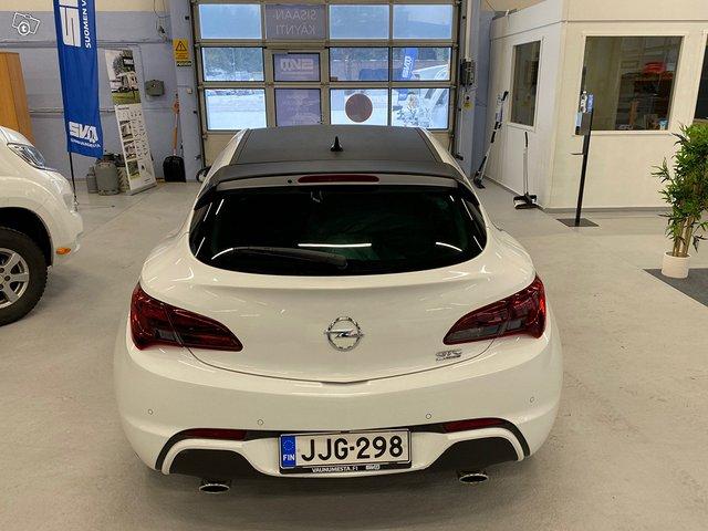 Opel Astra GTC 17