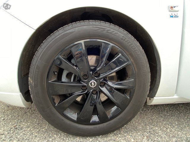 Opel Astra GTC 18