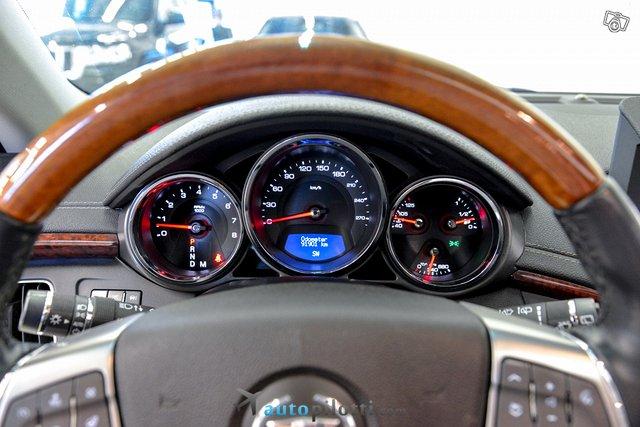 Cadillac CTS 17