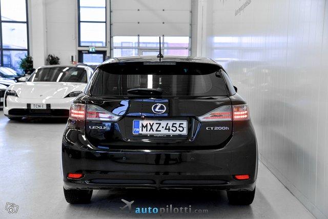 Lexus CT 7