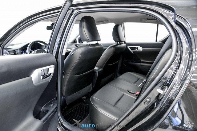 Lexus CT 12