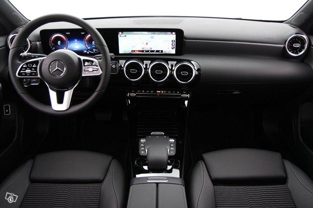 Mercedes-Benz A 11
