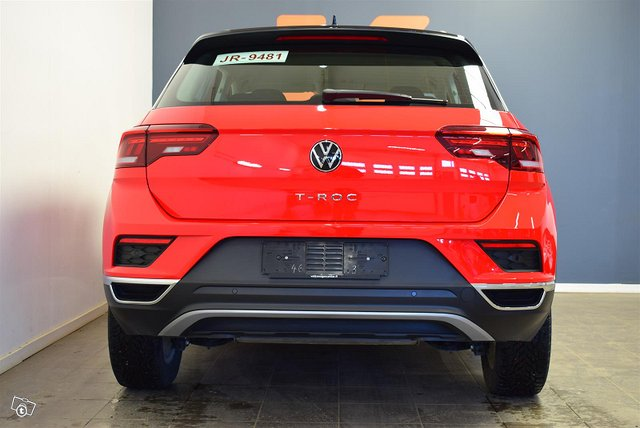 Volkswagen T-Roc 6
