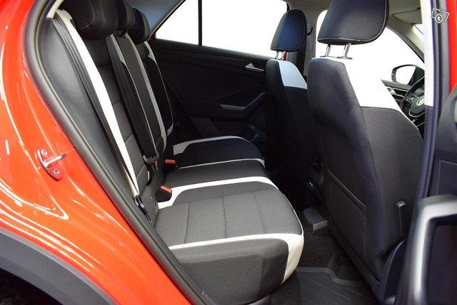 Volkswagen T-Roc 12