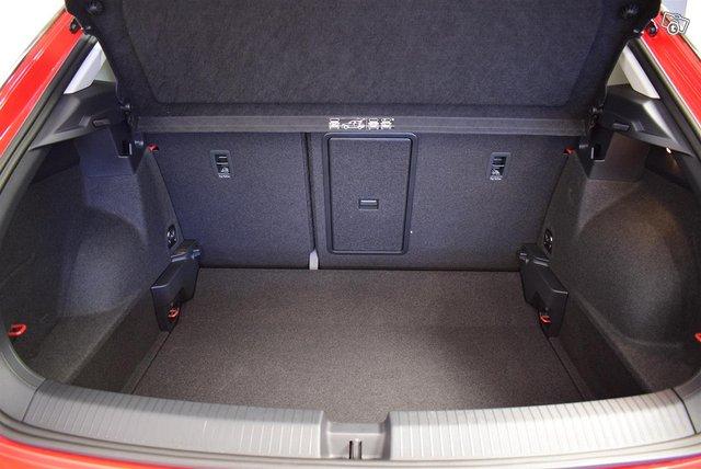 Volkswagen T-Roc 13