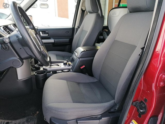 Land Rover Discovery 3 6